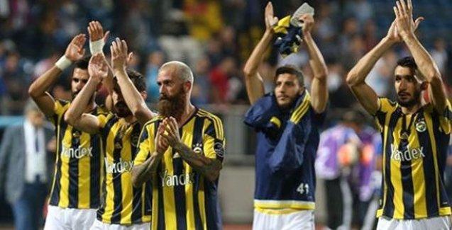 3 puan alan Fenerbahçe liderliği bırakmadı