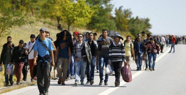Associated Press: 'Türkiye, Suriyelilere sert kurallar koyuyor'