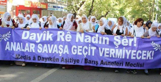 Barış Anneleri'ne Meclis'te çıplak arama!