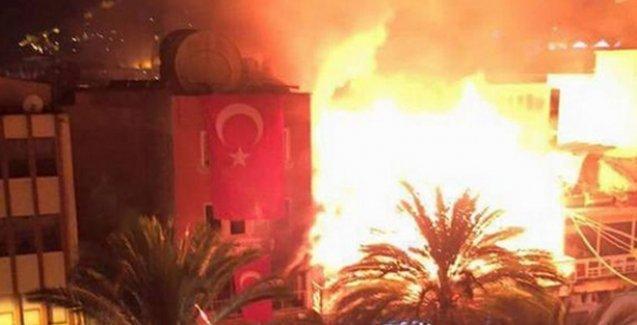 Bu kez Alanya'da HDP binası ateşe verildi