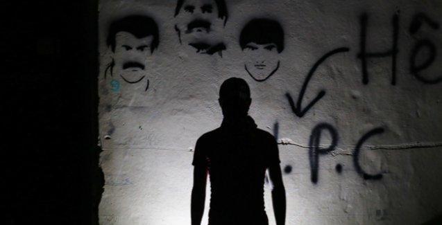 Cizre'de barikatın ardındaki bir Kürt genci konuştu: Kimse çocuğunu Saray uğruna feda etmemeli