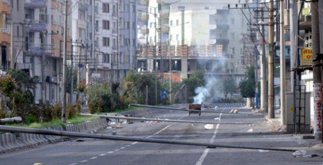 Cizre'de sokağa çıkma yasağının 3. günü: Fırınların önünde kuyruklar oluştu