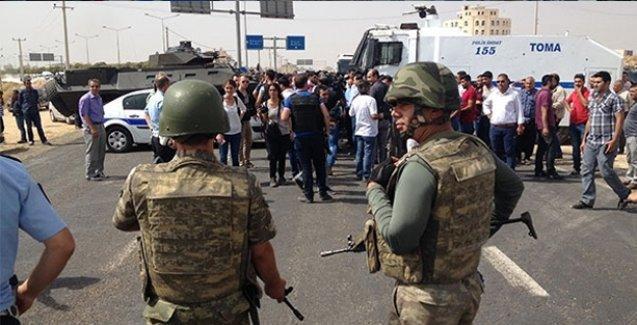 Demirtaş'ın da bulunduğu HDP heyeti Cizre yolunda durduruldu