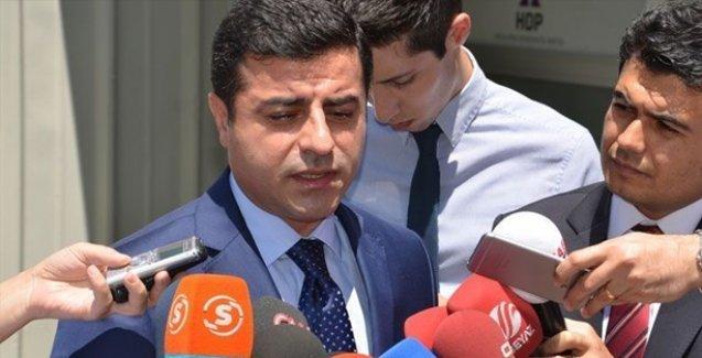 Demirtaş: Tahriklere karşı en iyi ilaç barıştır; Kürt, Türk birbirinize sarılın