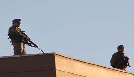 DİHA: Keskin nişancılar Cizre'de bir çocuğu vurdu