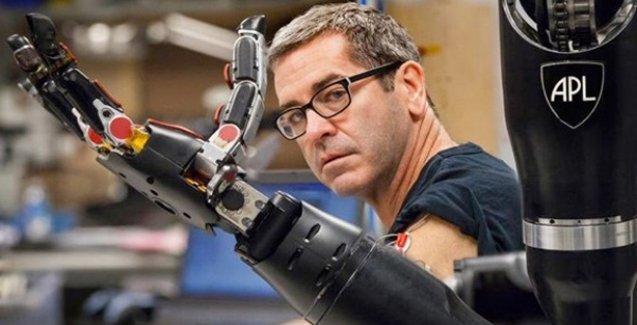 Dokunma hissi veren protez el yapıldı