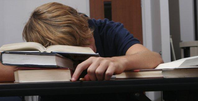 'Ergenler okula saat 11'den önce başlamamalı'