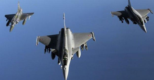 Fransa IŞİD'i ilk kez Suriye'de vurdu