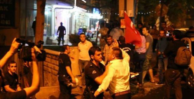 HDP Genel Merkezi'ne saldırı, binayı ateşe verdiler