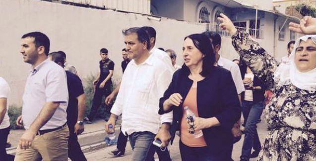 HDP heyeti silahların susmadığı Cizre'de