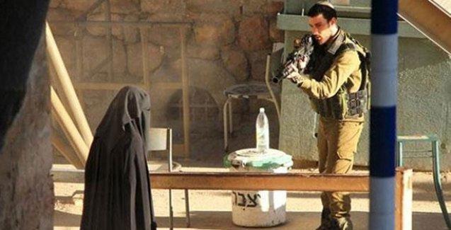 İsrail askerinin genç kadını infaz etmeden saniyeler önce çekilen görüntüleri yayınlandı