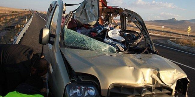 Niğde'de trafik kazası: Çoğu çocuk 13 kişi öldü