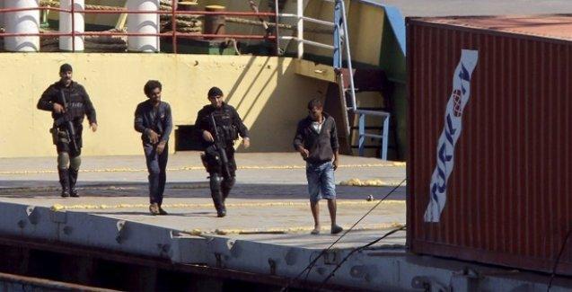 'Türkiye'den Libya'ya giden gemide silah yakalandı'
