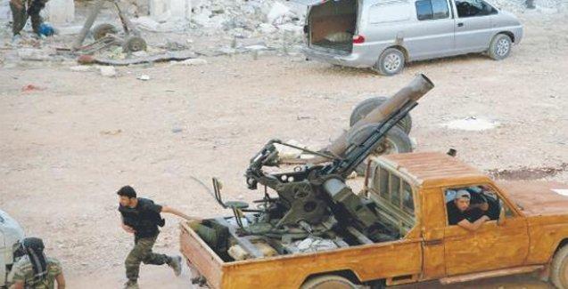 Türkiye sınırına yakın bölgede çatışma: 47 ölü