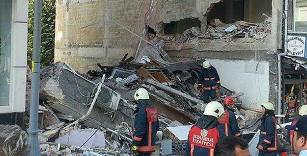 Üsküdar'da 5 katlı bir bina çöktü