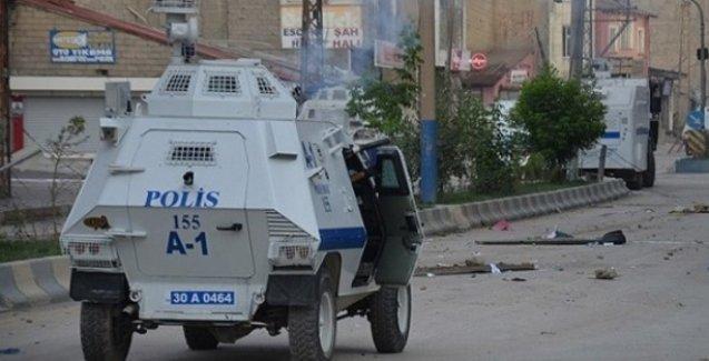 Yüksekova'da 2 genç polisin açtığı ateşle öldürüldü