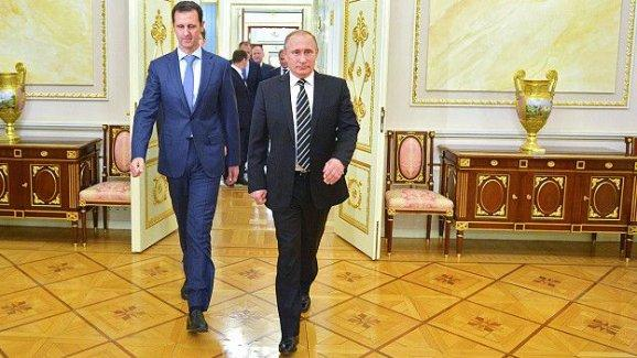 İngiltere Dışişleri Bakanı Hammond: Esad'ı ikna edecek güce sahip tek kişi Putin