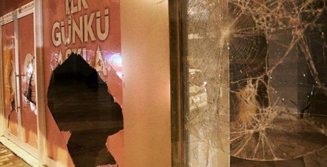 AKP'nin Esenyurt seçim bürosuna saldırı