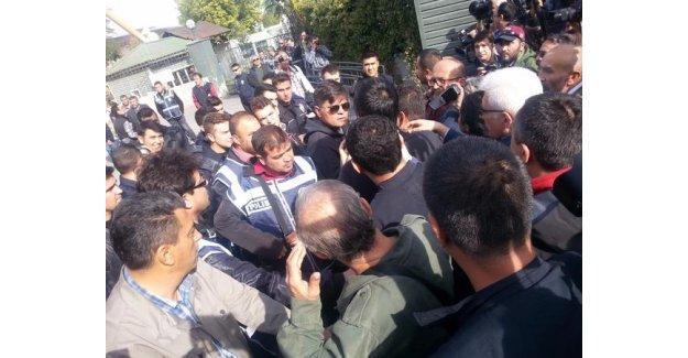 Ankara Garı'nda yapılmak istenen anma polis tarafından engelleniyor
