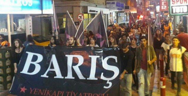 Ankara Katliamı'nın aydınlatılması için tutulan nöbet İzmir'de devam ediyor