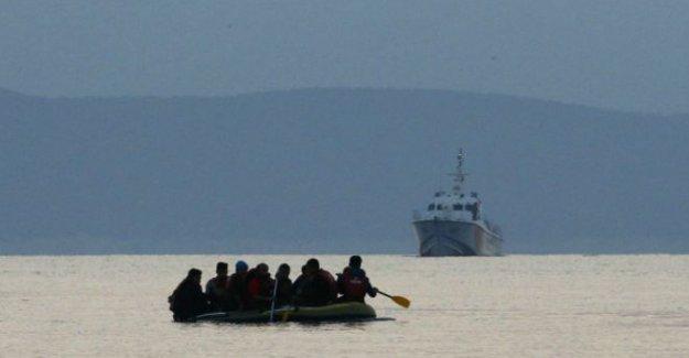 Çanakkale açıklarında göçmen teknesi battı: En az 12 ölü