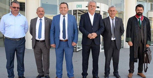 CHP'li seçim sorumlusu parkta otururken Erdoğan'a hakaretten gözaltına alındı