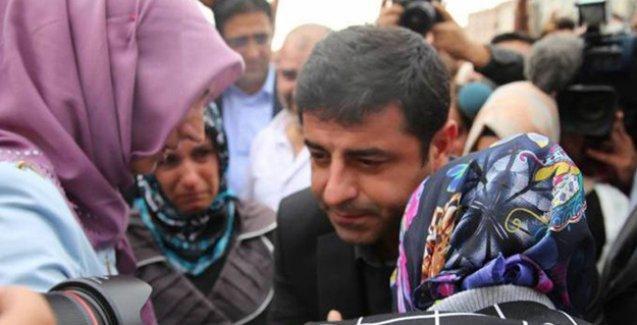 Demirtaş: Bir ülkede birileri ağlıyorken birileri sırıtıyorsa, o ülkede kardeşlik olmaz
