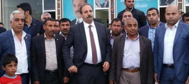 Dolandırıcılık iddiası yüzünden CHP'nin ihraç ettiği aday, törenle AKP'ye geçti