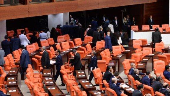 Erdoğan Meclis'e gelince HDP'liler Genel Kurul salonunu terk etti