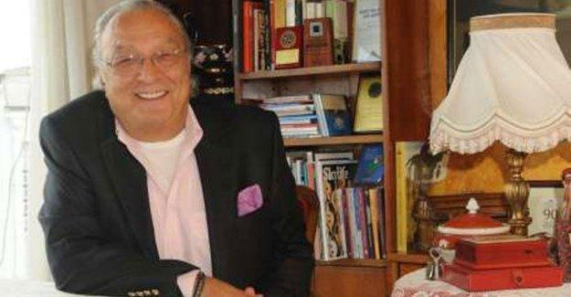 Evrensel yazarı, tiyatro eleştirmeni Üstün Akmen hayatını kaybetti