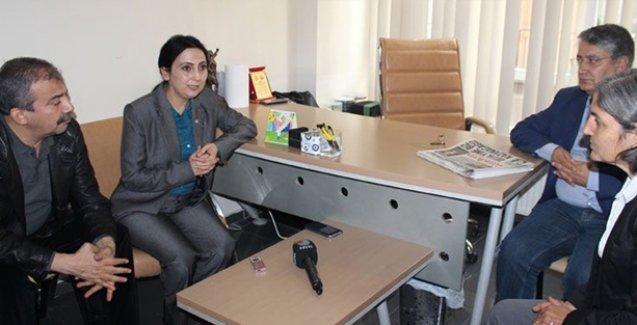 HDP ve ÖDP yöneticileri Emek Partisi'ne taziye ziyaretinde bulundu