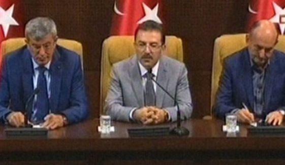 İçişleri Bakanı: Güvenlik zaafiyeti yok, istifa düşünmüyoruz