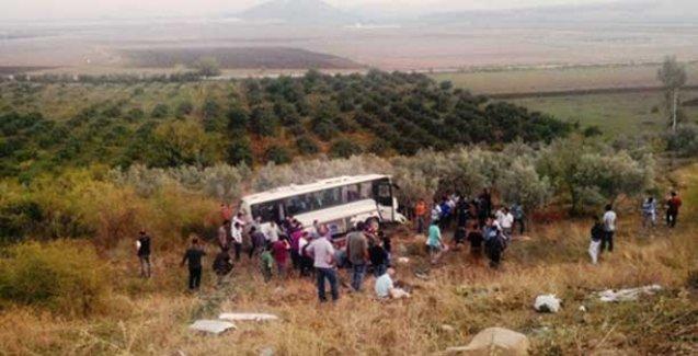 İşçileri taşıyan servis kaza yaptı: 2 ölü, 17 yaralı