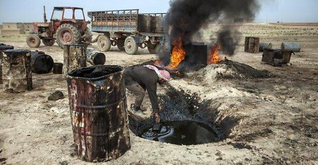 'IŞİD petrolünü Türk iş adamları pazarlıyor'