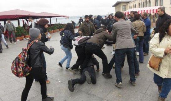 Kadıköy'de polis saldırısı!