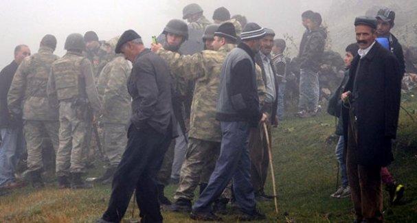 Köye düşen havan mermisi kazma kürekle arandı
