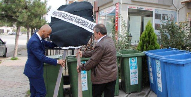 MHP ve BBP'liler, Kuran'ın atıldığı çöp kutusuna siyah çelenk bıraktı