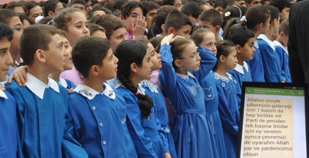 Milli Eğitim Müdürü SMS ile AKP'ye oy istedi