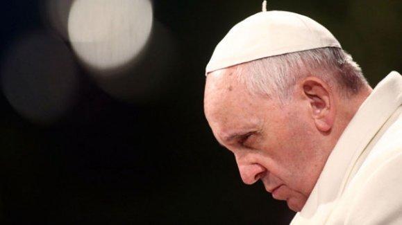 Papa: Ankara'da saldırganlar, barış için gösteri yapan savunmasız insanları vurdu