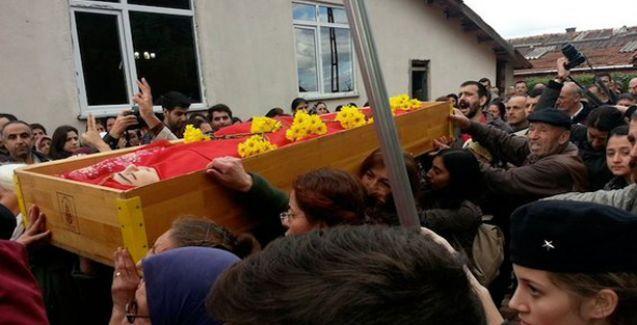 Polis kurşunuyla öldürülen Dilek Doğan son yolculuğuna uğurlanıyor