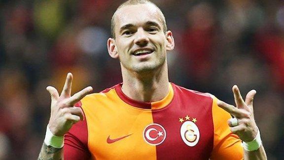 Cüneyt Tanman'dan Sneijder iddiası
