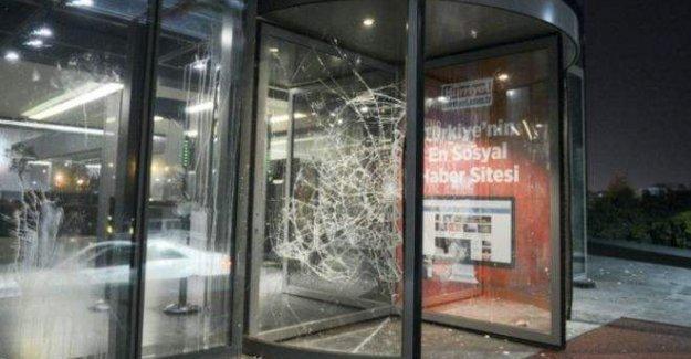 Türkiye'ye basın  özgürlüğü uyarısı
