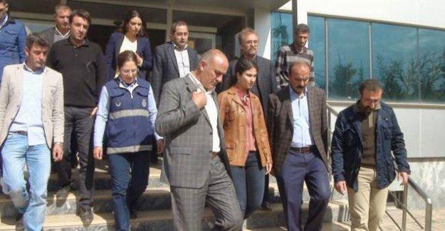 Van'ın Özalp ilçesinde Belediye Eş Başkanı tutuklandı