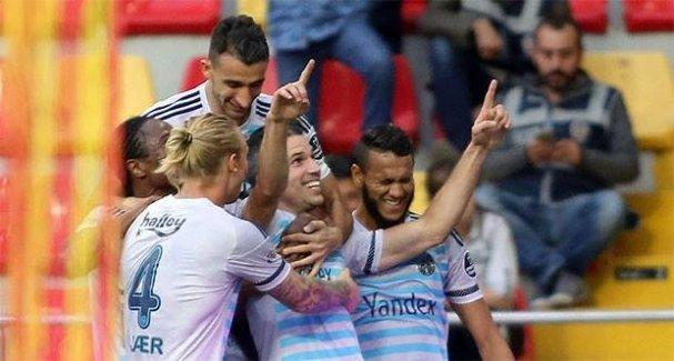 Van Persie attı Fenerbahçe kazandı