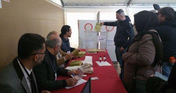 Yurtdışında oy verme işlemi başladı
