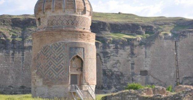 Hasankeyf'te tarihi türbe taşınıyor!