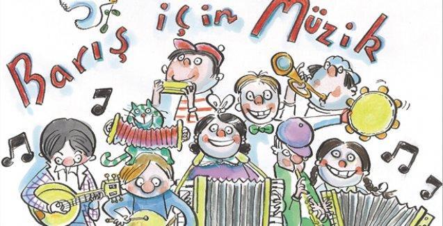 Barış İçin Müzik Orkestrası, barışın sesini müzikle duyurmak için Kadıköy'de