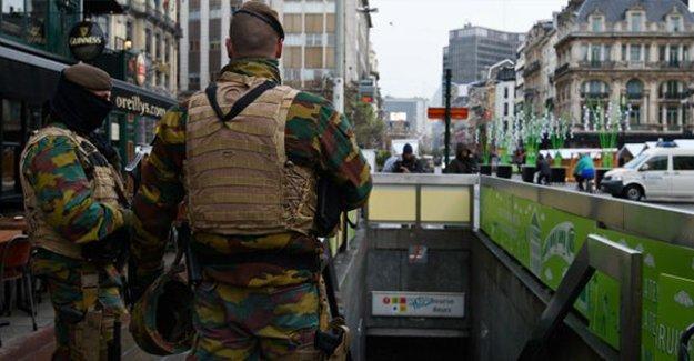 Belçikalı aydınlar, ülkelerinin güvenlik konseyine bırakılmasını istemiyor