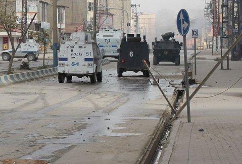 Dicle'de 22 mahallede sokağa çıkma yasağı ilan edildi