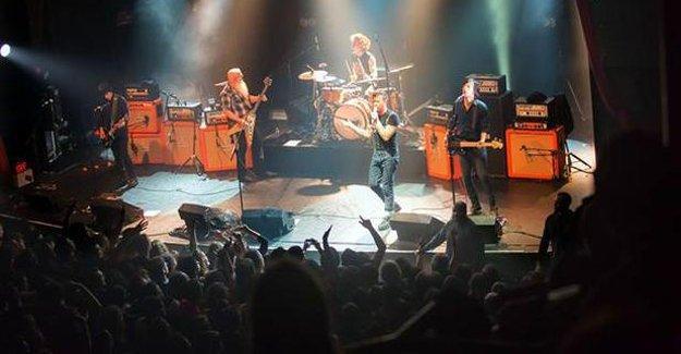 Eagles of Death Metal bütün konserlerini iptal etti